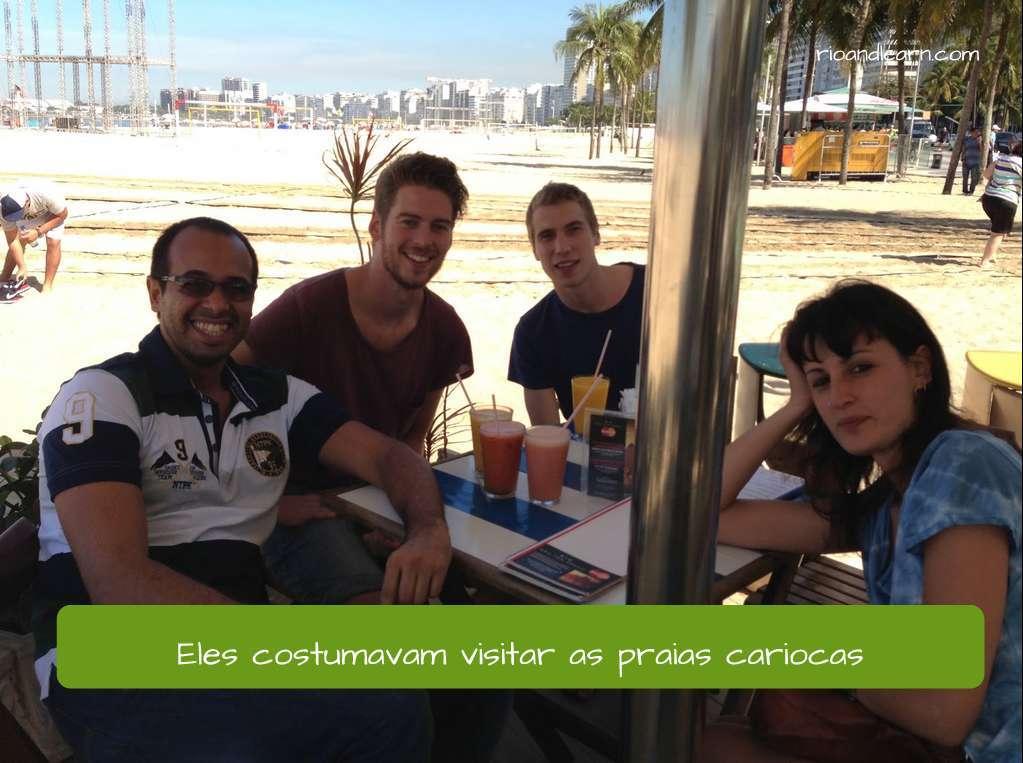 Verbo Costumar em Português. Eles costumavam visitar as praias cariocas.