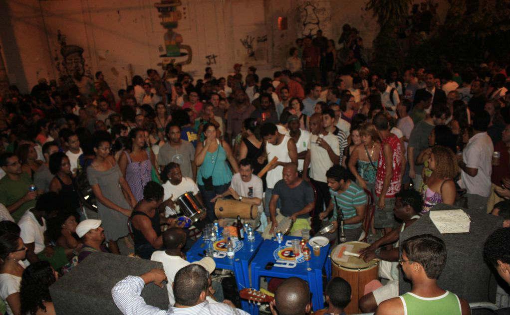 Samba na Pedra do Sal no Rio de Janeiro.