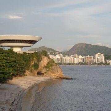 Niterói Visit. RioLIVE! at MAC (Contemporary Art Museum in Niterói).