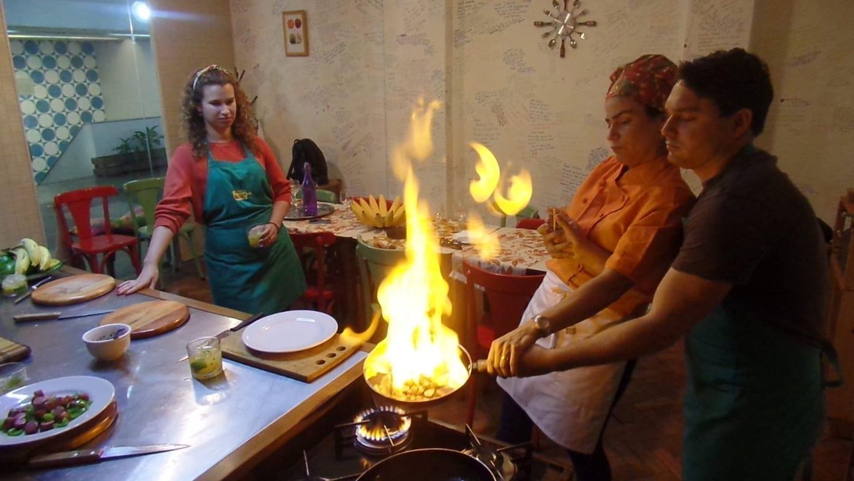 A aula de culinária Brasileira no Rio de Janeiro é uma experiência única.