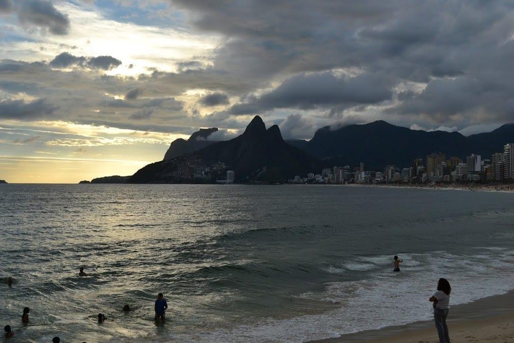 Playa de Ipanema es uno de los 10 mejores lugares para visitar en Río de Janeiro.