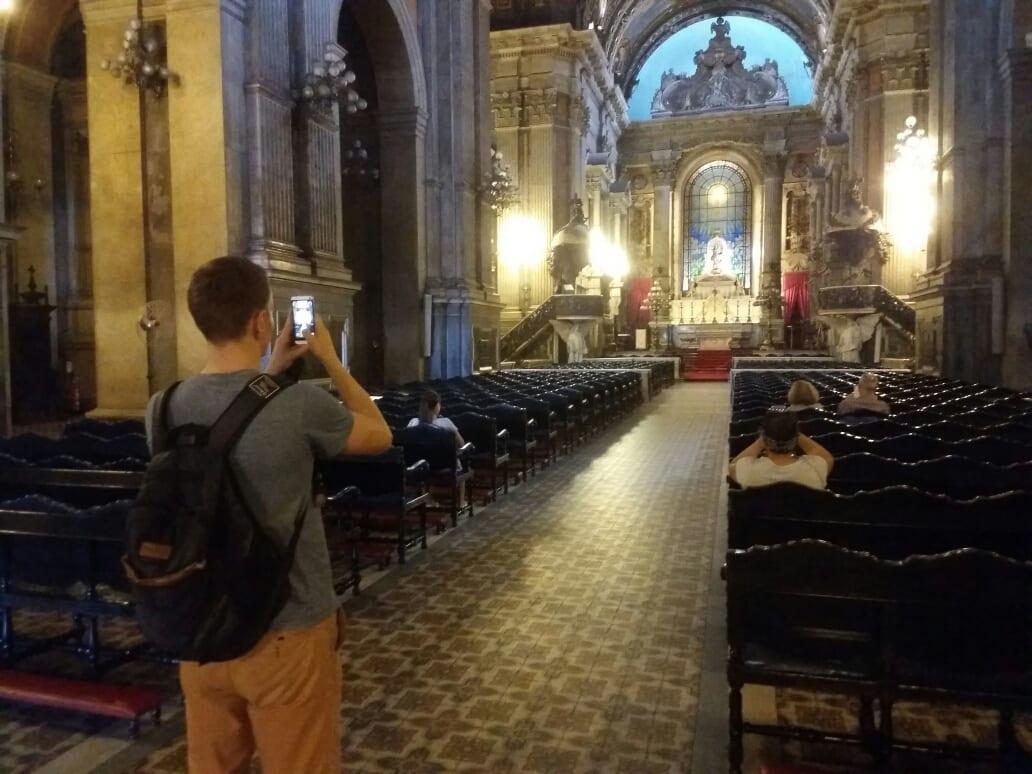 Dentro de la Iglesia de la Candelaria.