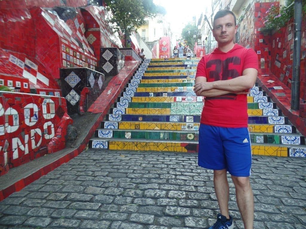 A Escadaria Selarón é um dos atrativos mais queridos da cidade.