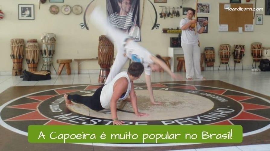 History of Capoeira in Brazil. A Capoeira é muito popular no Brasil.