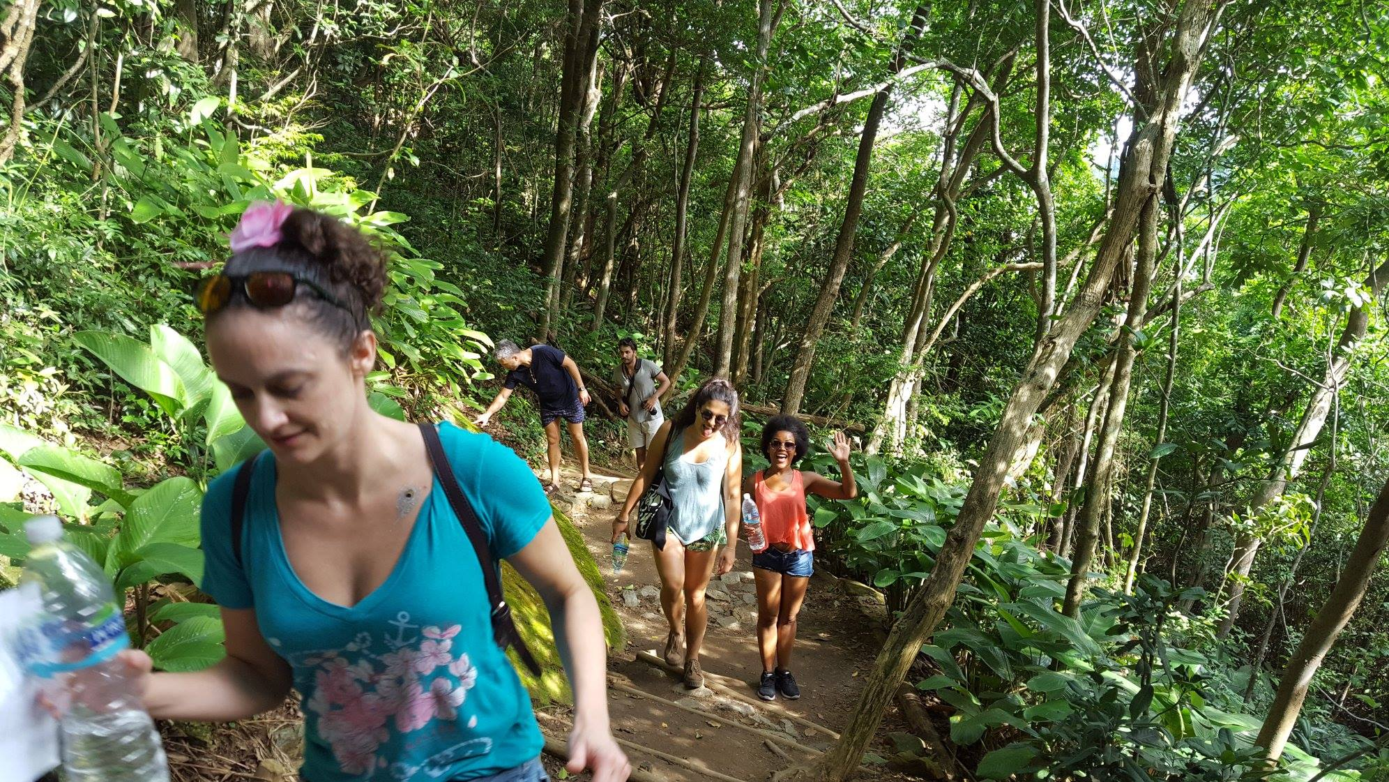 Hiking is the first step to our tour. Charmed by Sugarloaf. Foreigner students of portuguese hiking at Pão de Açúcar.