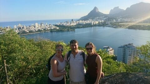 Lago soleado en familia en Río de Janeiro.