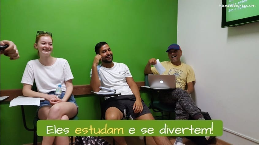 Conjugation of Estudar in Portuguese. Eles estudam e se divertem!