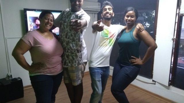 Foreigners learning Samba.