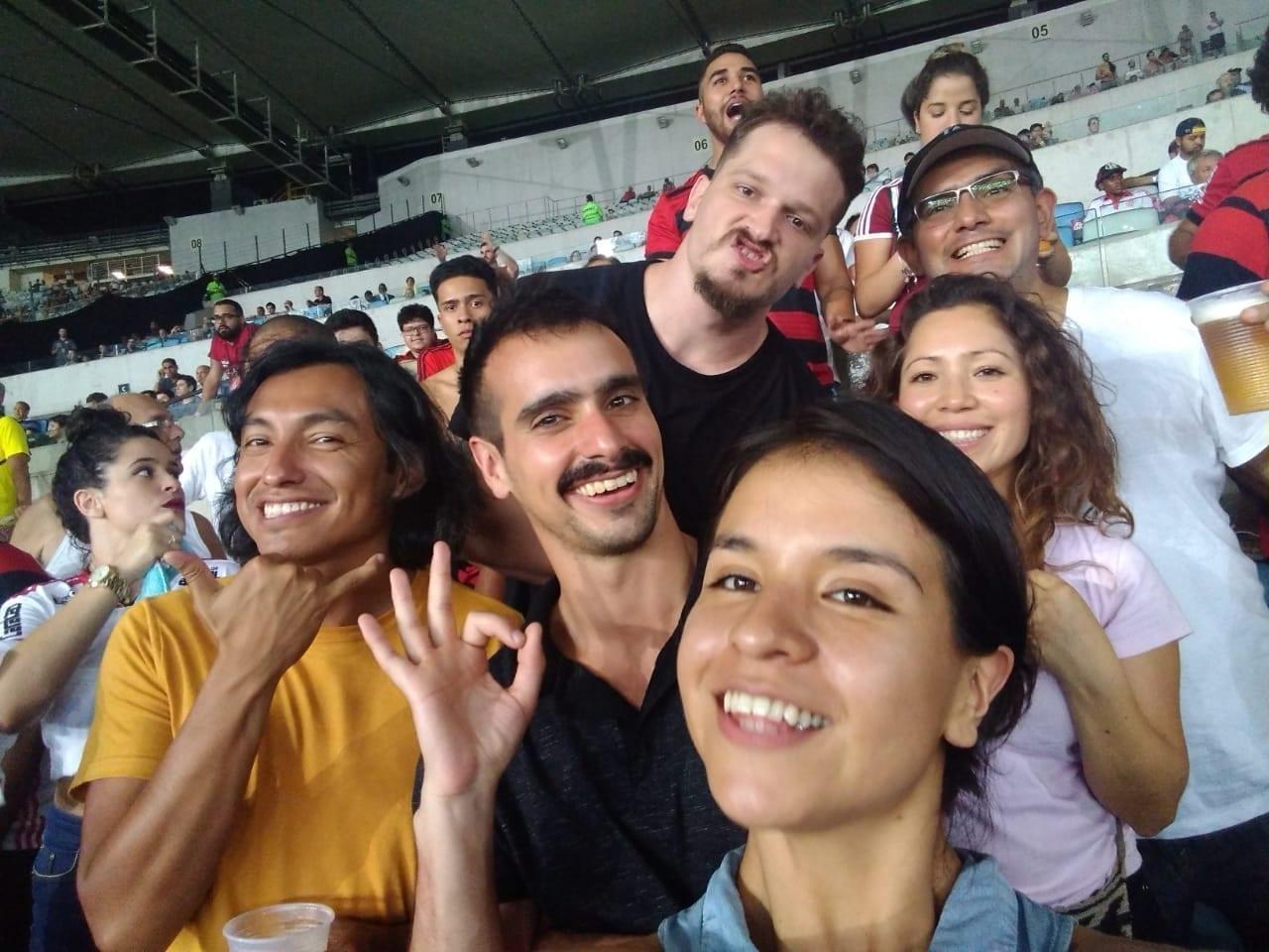 Un emocionante partido en el estadio Maracaná.