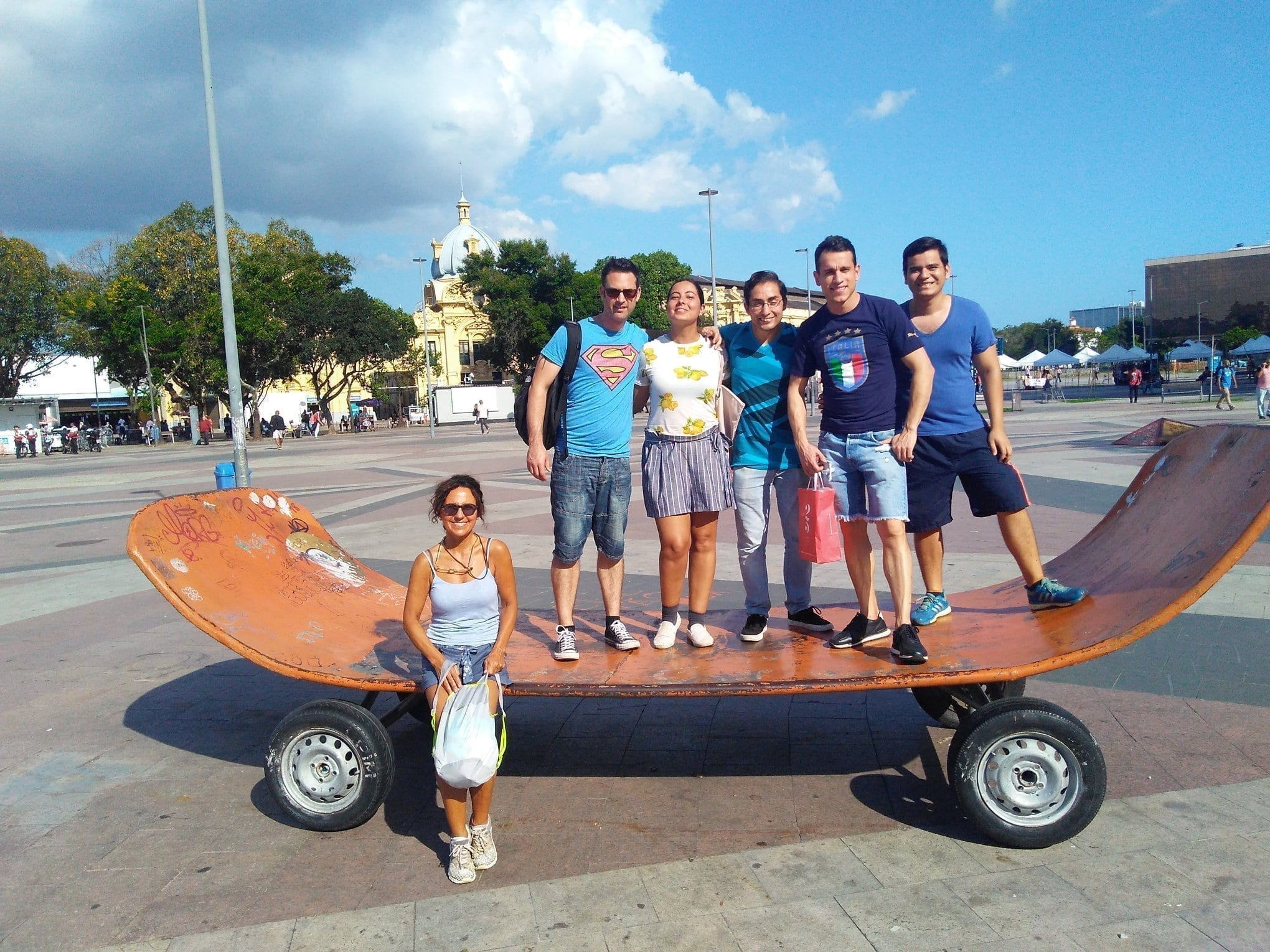 Students play in a giant skateboard and Knowing the Centro of Rio de Janeiro, praça XV