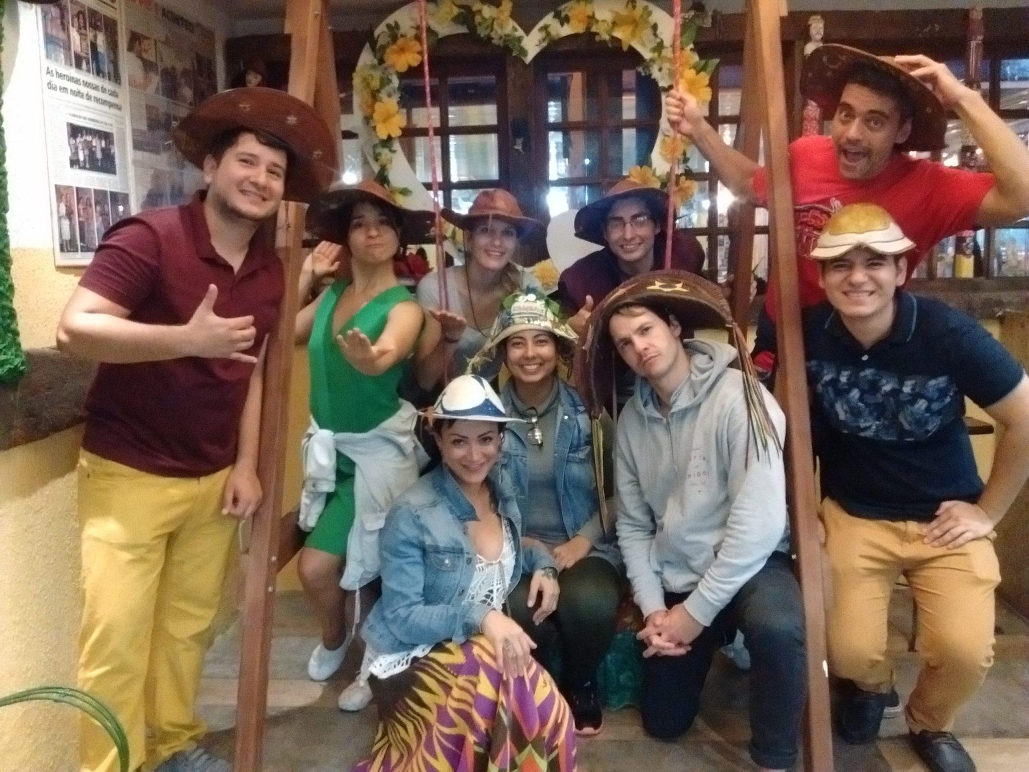Estudiantes de portugués conociendo la cultura del nordeste de Brasil.
