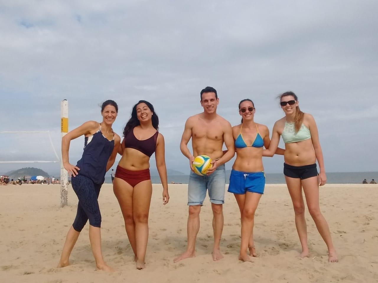 Vôlei de praia nas areias de Copacabana