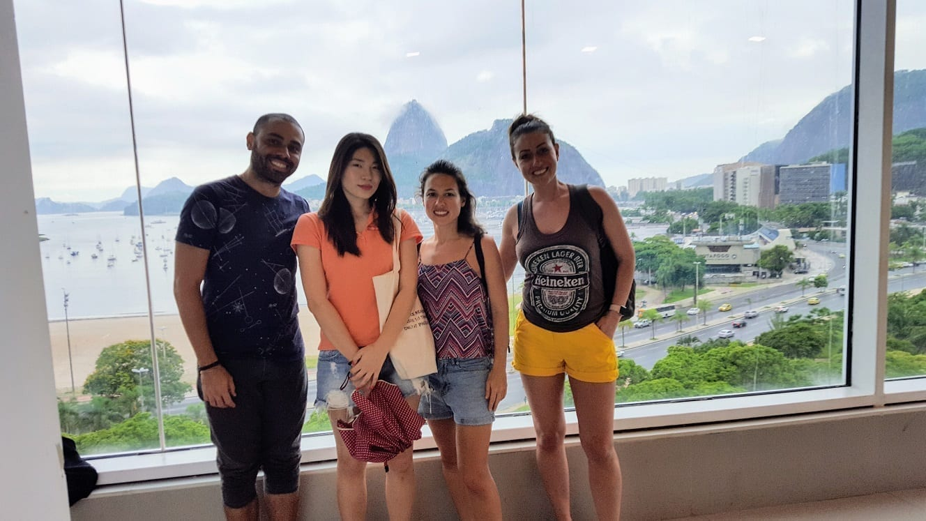 Picture at the top of Botafogo praia shopping with an open view of Botafogo beach.