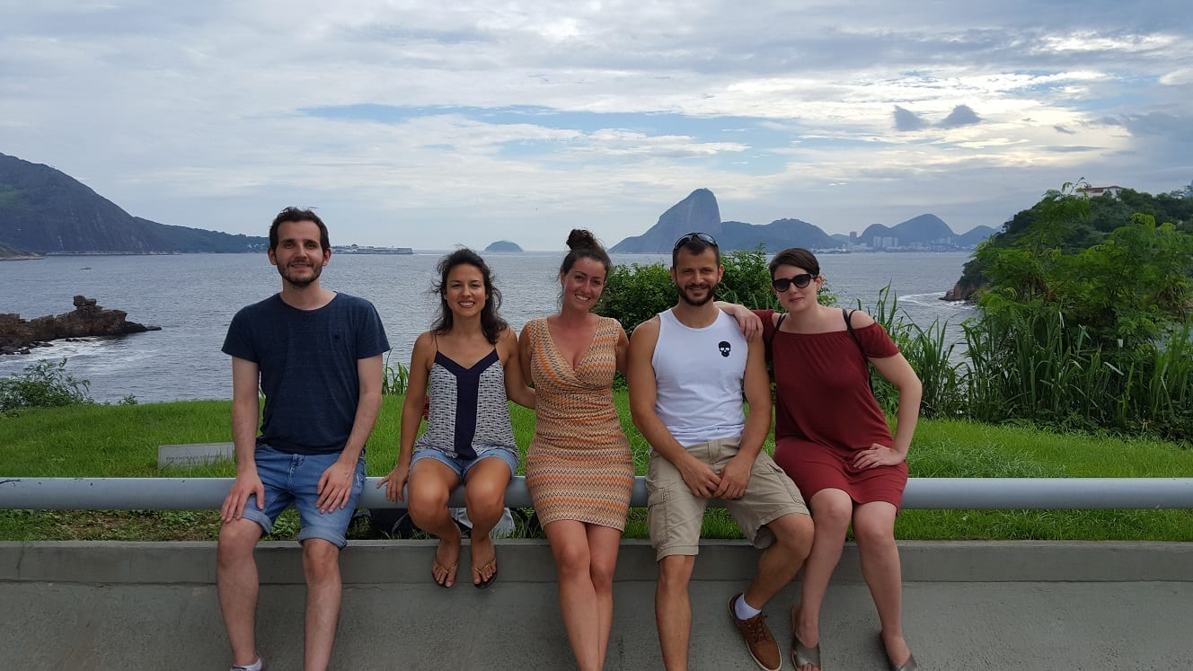 Vistas de Niteroi con estudiantes de diferentes países.