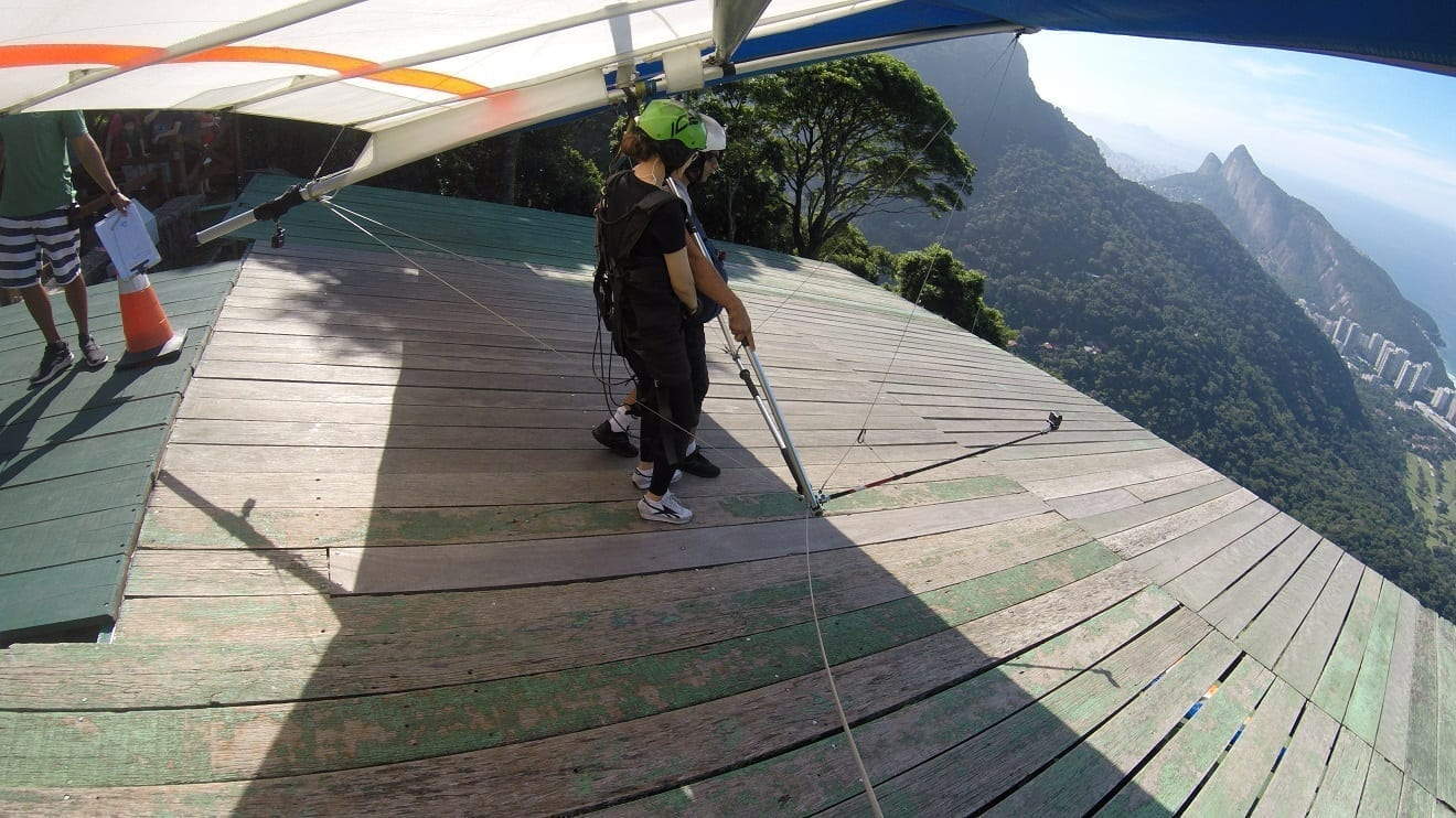 Asa Delta no Rio de Janeiro. Ótimo e inesquecível dia na Pedra Bonita. Belas vistas do Rio de Janeiro. É incrível!