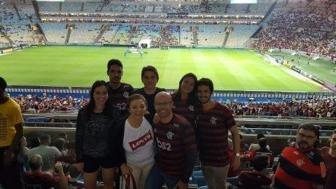 Después de ver un partido empatado en Maracaná con las camisas del Flamengo.