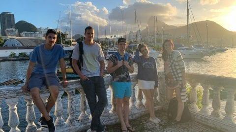 Estudiantes de portugués para extranjeros aprendiendo portugués en Urca.