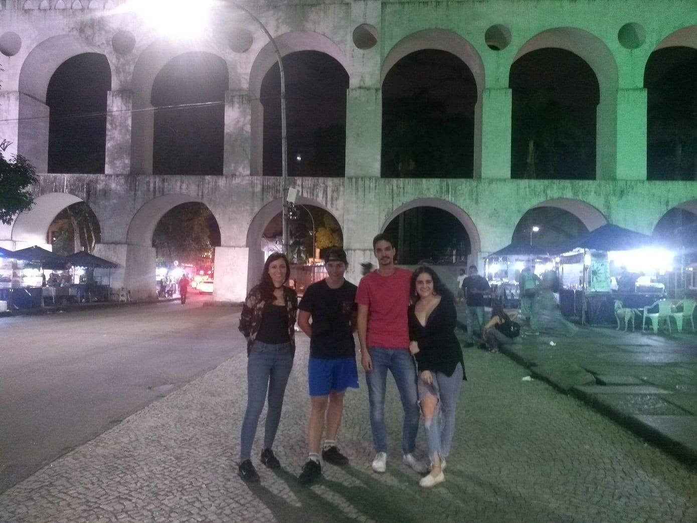 Students at Arcos da Lapa.