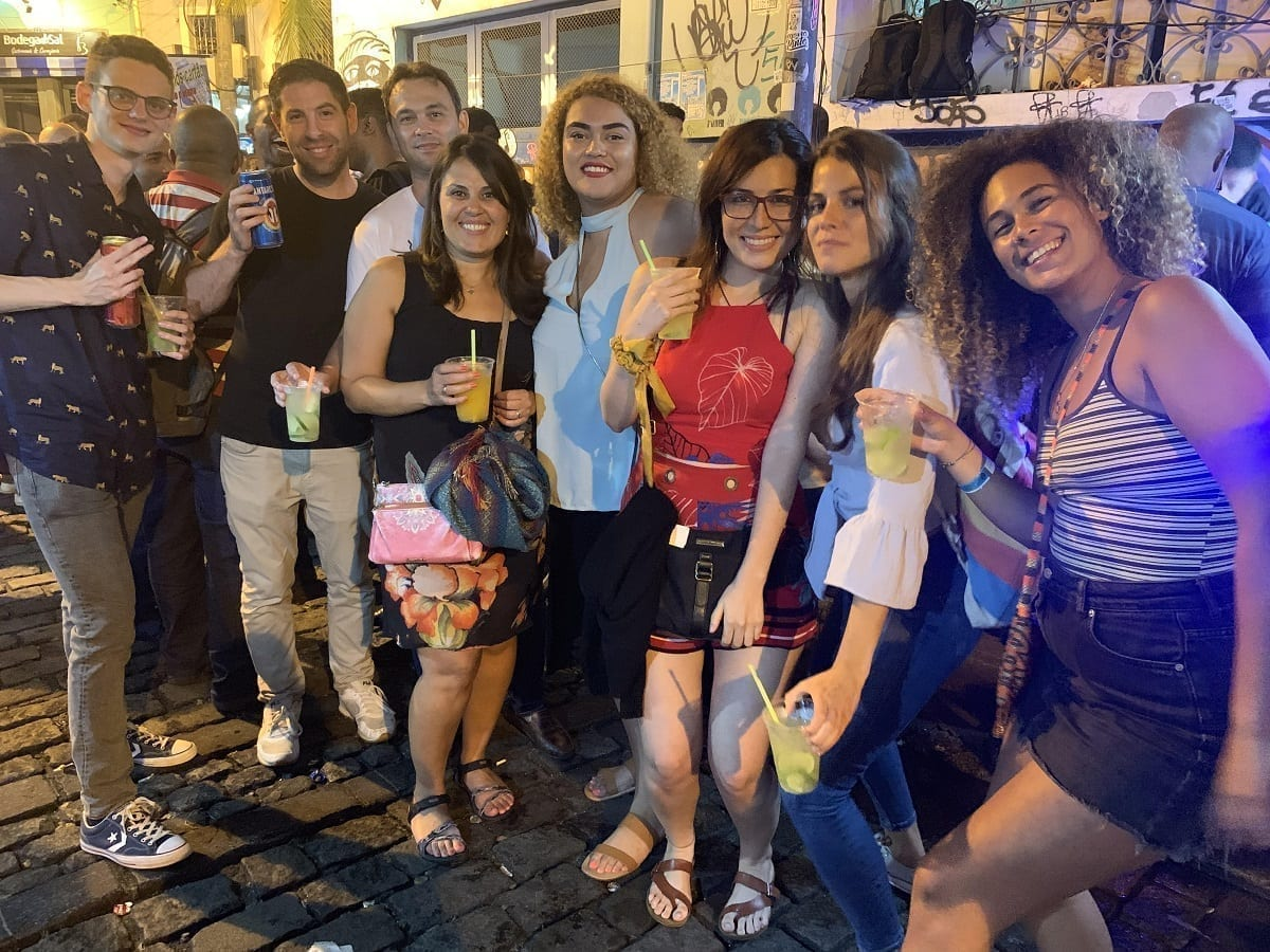 Students drinking caipirinha at Pedra do Sal