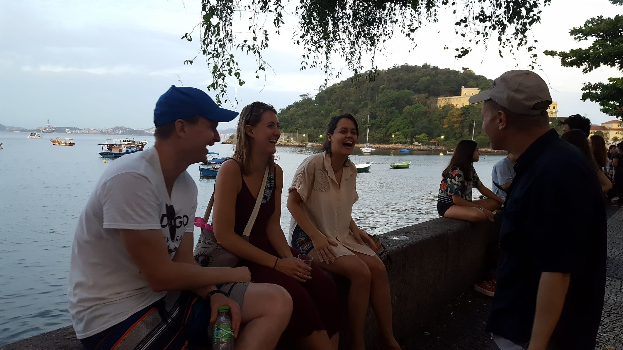 Sitting at the Urca wall and having a nice conversation in Portuguese at the RioLIVE!