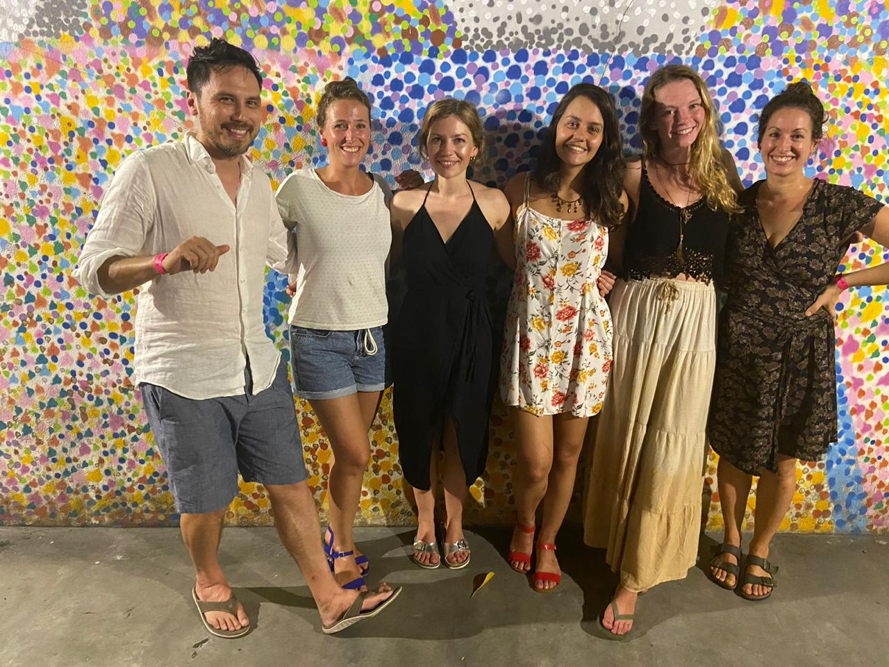 Best Night ever at Lapa. Students in front of the sambodromo mural