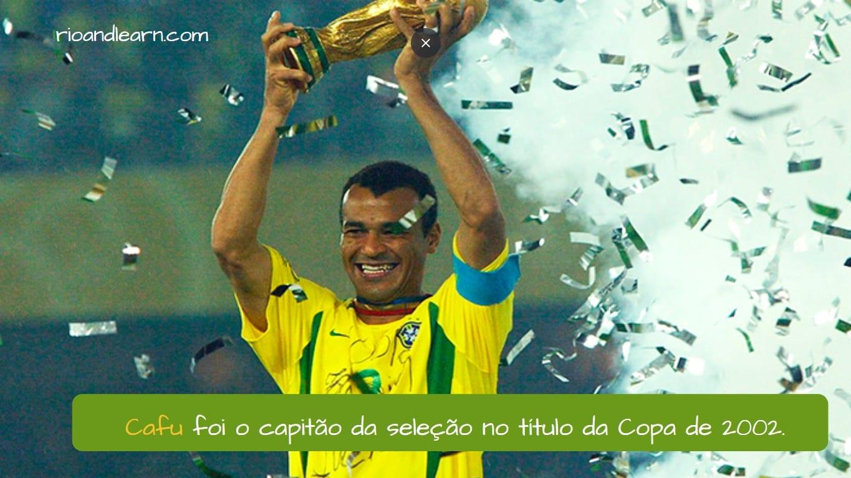 Cafu. Cafu foi o capitão da seleção no título da Copa de 2002.