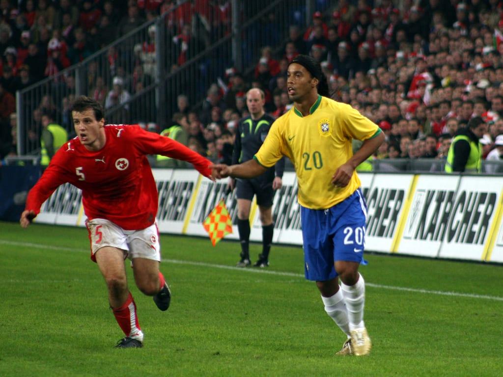 Ronaldinho jogando pela seleção brasileira