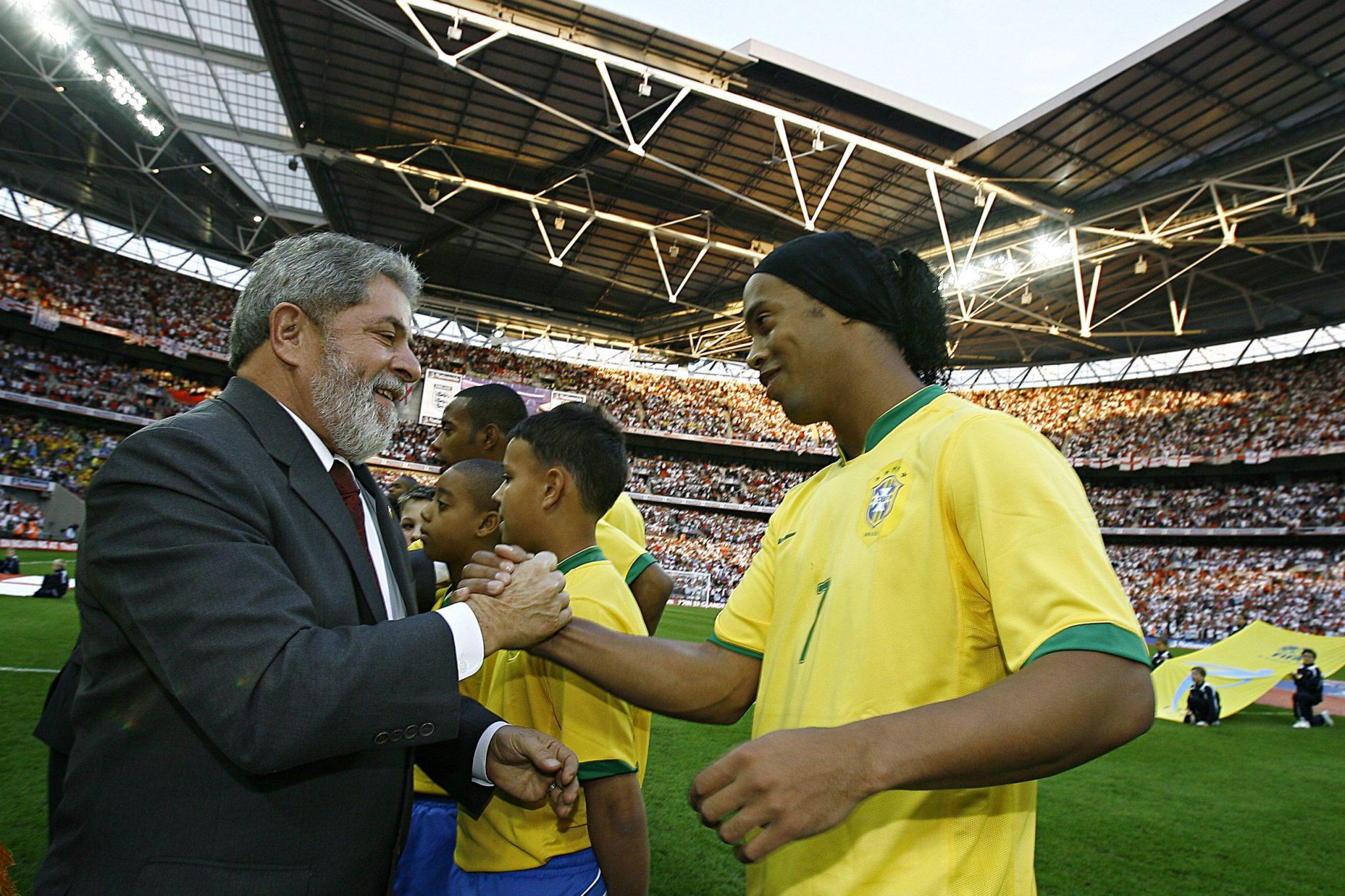 Ronaldinho meeting ex president of Brazil in 2007