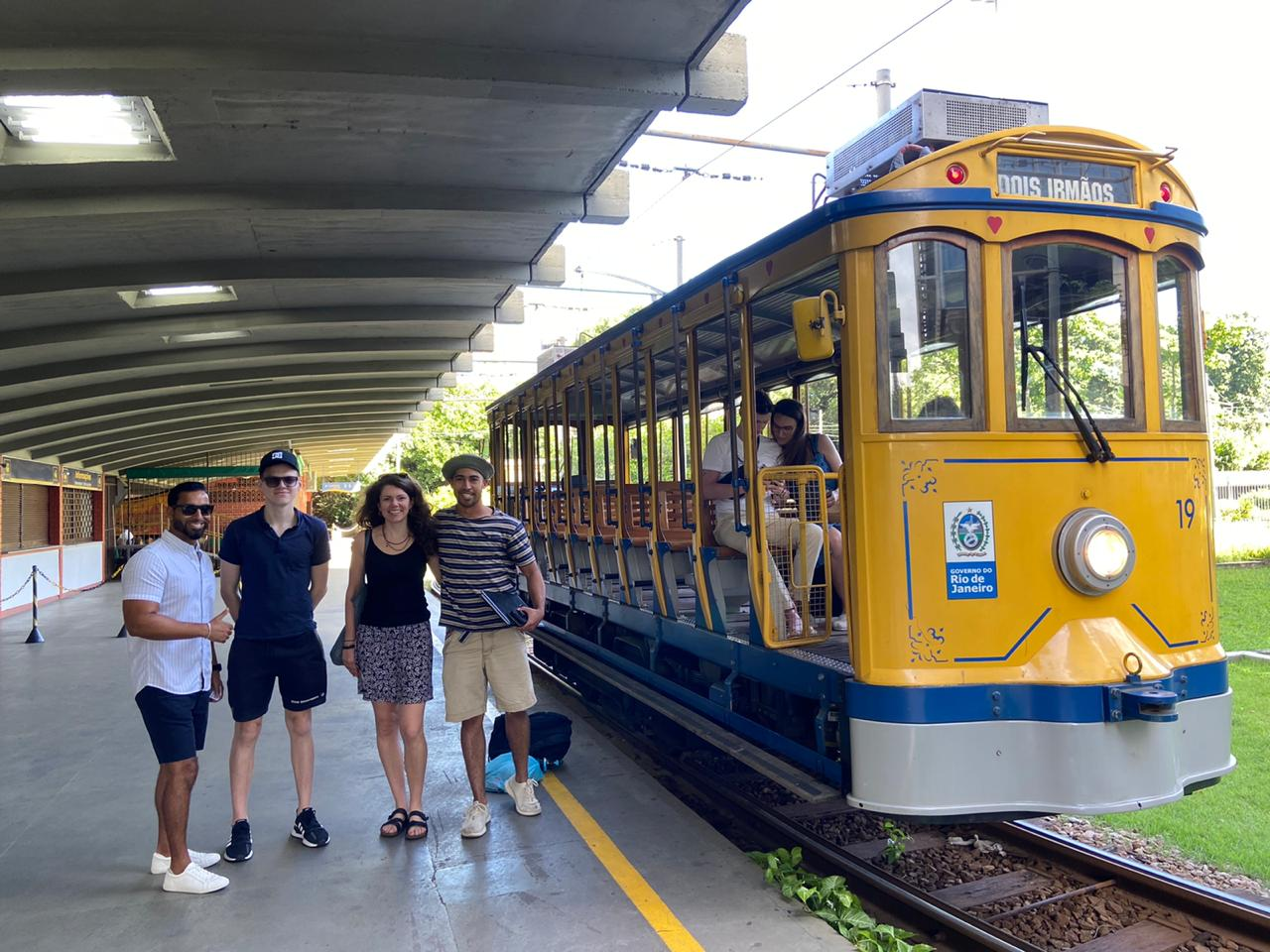 Students in front of the Santa Teresa tram