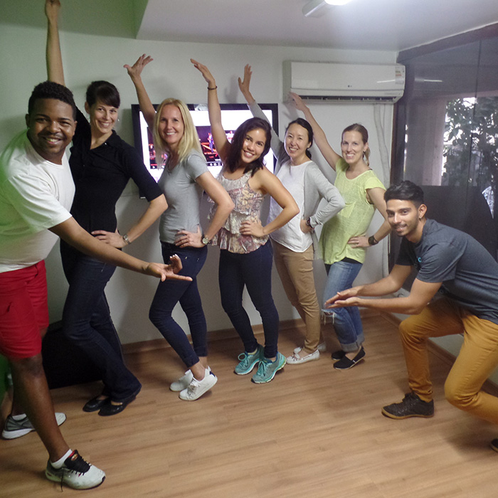Samba Weeks: Portuguese and Samba classes in Rio de Janeiro. Dancing Samba while you learn Portuguese in much more fun.