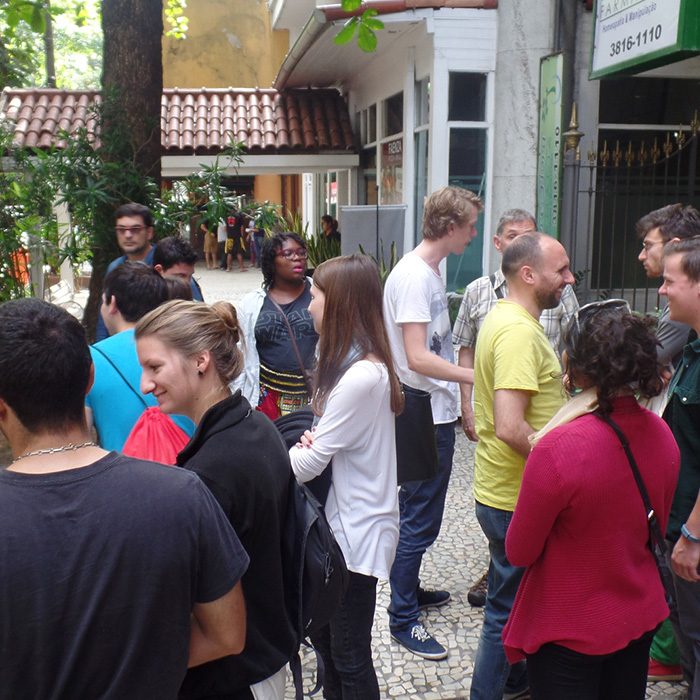 Foreigner students practicing Portuguese in Rio Janeiro.