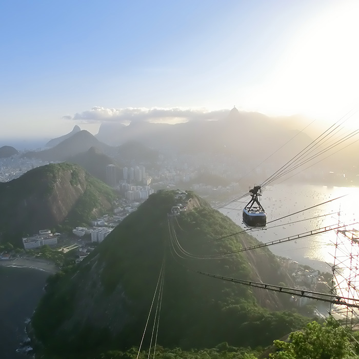 Discover Rio de Janeiro with Rio & Learn Portuguese School. Visiting Pão de Açúcar.