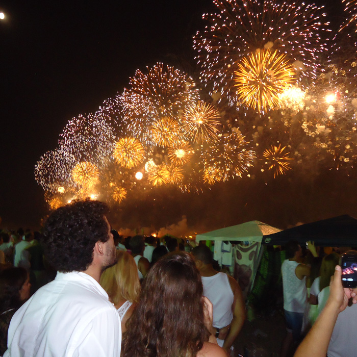Explore Rio de Janeiro at its best. Watch the Fireworks at Copacabana Beach.