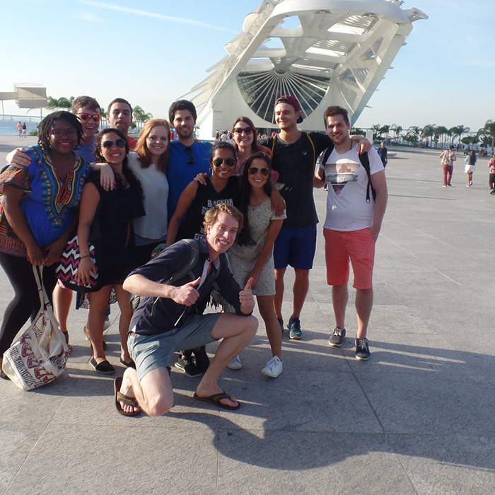 Students of Portuguese from different countries at Museum of Tomorrow.