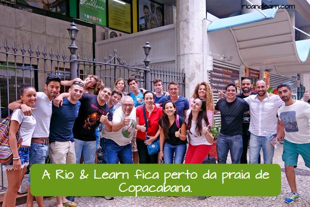 Ejemplo en portugués para las preposiciones de lugar en portugués