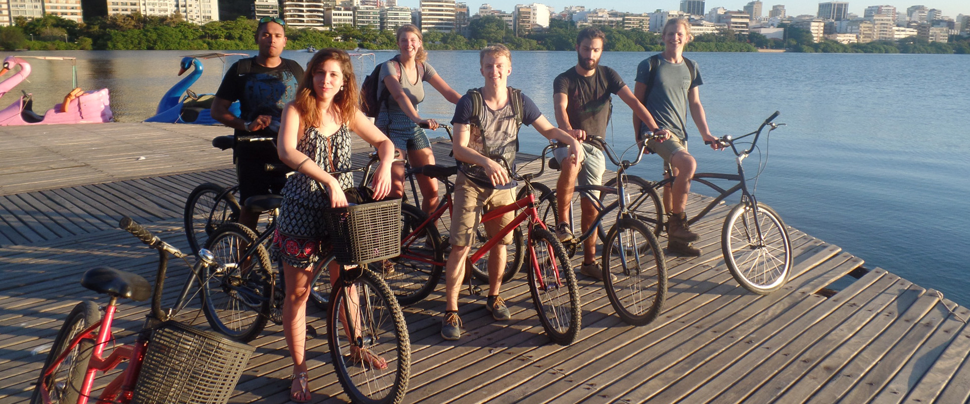 Foreigners students of Portuguese riding bike at Lagoa Rodrigo de Freitas.